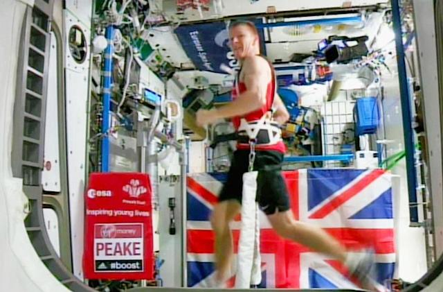 Astronaut becomes the first man to finish a marathon in space (updated)