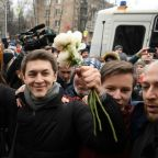 Russia hands anti-Putin blogger surprise suspended sentence