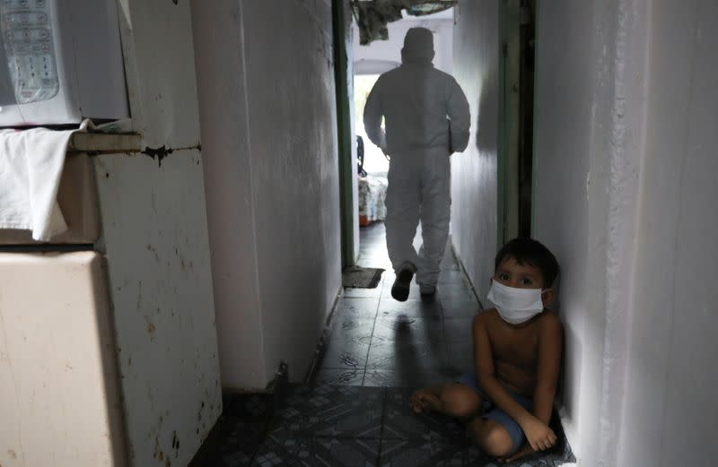 As coronavirus stalks Brazil's Amazon, many die untreated at home