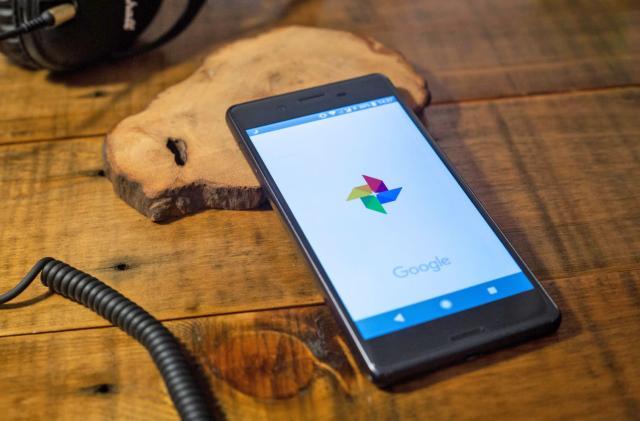 Google Photos' web version now behaves like a native app
