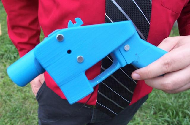 States sue to block sale of 3D-printed weapon designs online