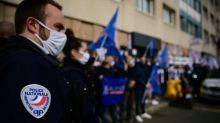 """Darmanin présente ses mesures pour améliorer le """"quotidien"""" des policiers"""