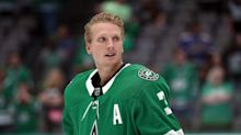 Stars' Klingberg out at least two weeks after taking puck off neck