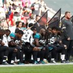 NFL rallies around protesting players denounced by Trump