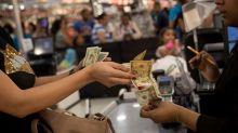 El dólar se dispara en Venezuela y crece un 30,6 % frente al bolívar en 2020
