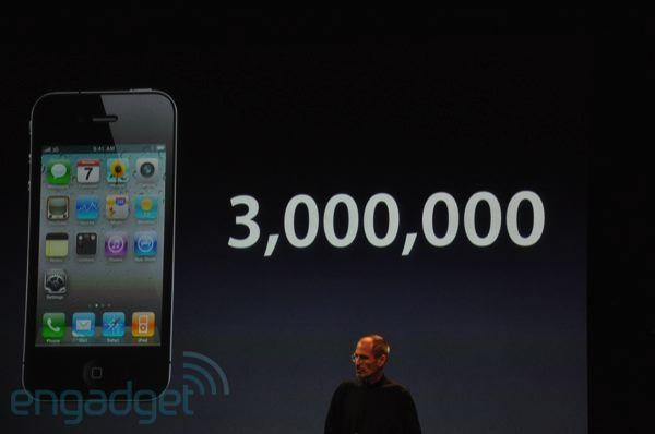 iPhone 4 sales: 3 million and counting, 1.7 percent returned