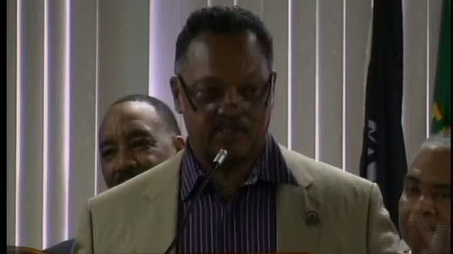 Jesse Jackson in Pontiac to protest the Emergency Manager