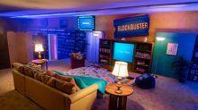La reinvención del último videoclub de Blockbuster que queda en pie: convertirse en un Airbnb
