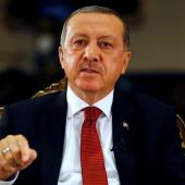 Erdogan Closes Schools, Charities in Crackdown After Failed Coup