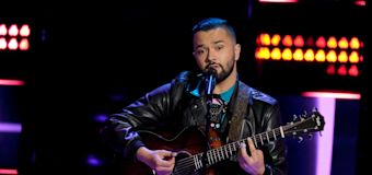 Kelly Clarkson says this man just won 'The Voice'