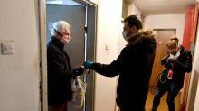 'We come to you': Sarajevo volunteers aid isolated elderly