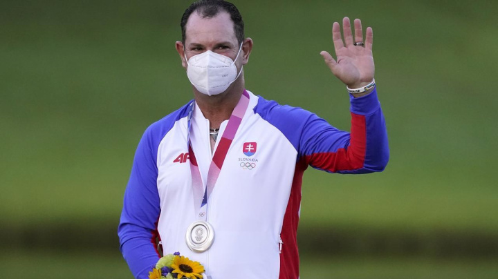 Sabbatini takes silver after Slovak switch