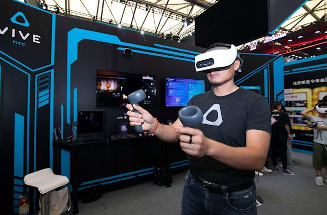 HTC's standalone VR kit will stream PC content via WiFi