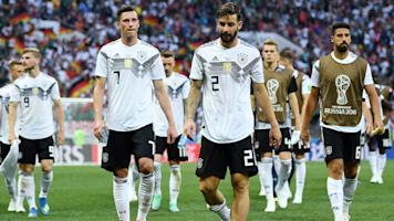 World Cup roundup: Favorites falling flat