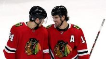 Blackhawks welcome back fans with 4-2 win over Stars