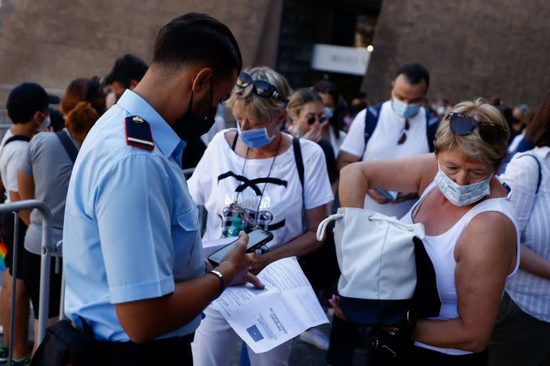 Photo of Italy adds more job groups to requirement for COVID vaccination   Reuters