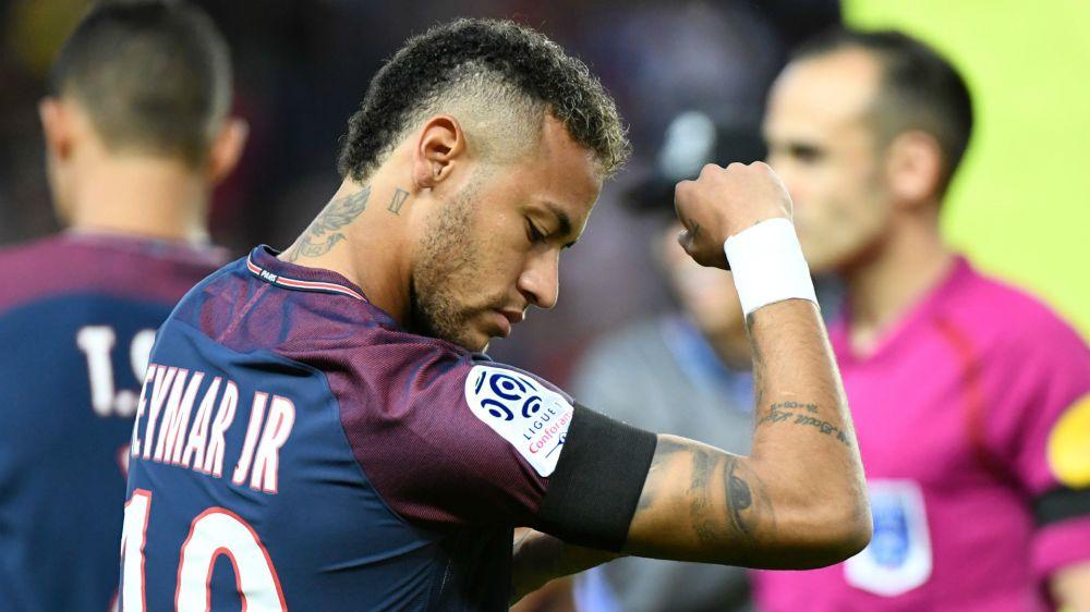 De olho em prêmios? Neymar escreve mensagem inspiradora!