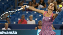 Radwanska crushes Kvitova to ease into Connecticut final