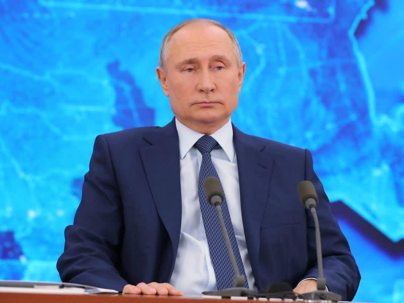 Putin Says Kremlin Critic Navalny Not Worth Poisoning Alleges U S Smear Campaign