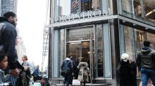 Nordstrom Looks to Win Over Manhattan With Focus on Service