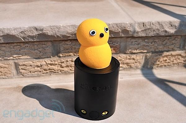 My Keepon drops by for a brief hands-on, we can't handle the cuteness (video)