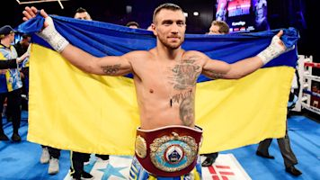 Lomachenko wins second lightweight belt
