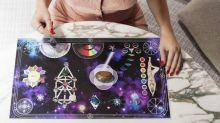 Terapias alternativas, como mesa quântica e constelação familiar, se popularizam na quarentena
