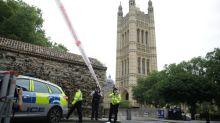 Suspeito por ataque em parlamento britânico é acusado por tentativa de assassinato