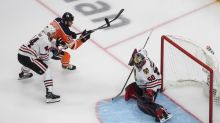 Kubalik nets 5 points as Blackhawks stun Oilers 6-4 in NHL qualifier opener
