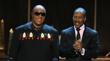 Stevie Wonder offers to appear on Eddie Murphy's 'SNL' episode, if he asks: 'He's a superstar'