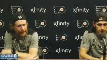 Jakub Voracek bodies 'weasel' Flyers beat reporter during press conference