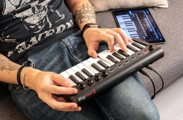 iRig Keys 2 Mini is a MIDI controller with a headphone jack for your iPhone