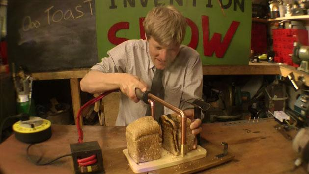 This superheated knife toasts bread as you cut it