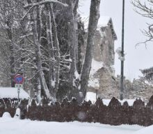 Spate of strong earthquakes hit snowbound central Italy, one dead