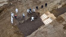 New York City hires laborers to bury dead in Hart Island potter's field amid coronavirus surge
