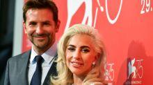 Lady Gaga e Bradley Cooper cantam 'Shallow' ao vivo pela primeira vez!