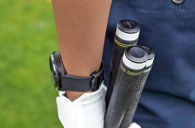 Garmin's latest golf tracker helps you choose the right club
