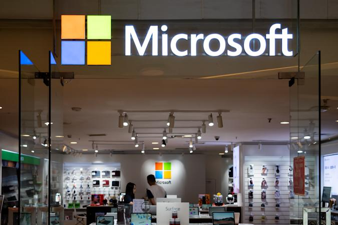 CHONGQING, CHINA - 2020/08/29: American multinational technology company, Microsoft store and logo seen in Chongqing. (Photo by Alex Tai/SOPA Images/LightRocket via Getty Images)