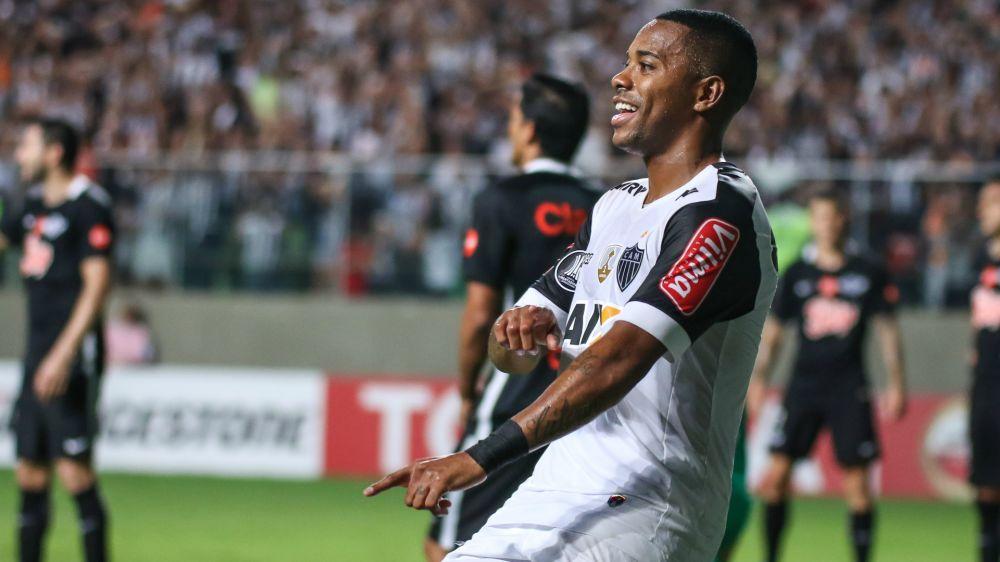 Decisivo, melhor em campo e igual Pelé: a noite de Robinho no Horto