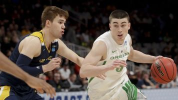Only one double-digit seed reaches Sweet 16