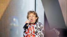 Mick Jagger admire ceux qui passent leur confinement dans la promiscuité... Vin Diesel pense que Paul Walker lui envoie John Cena depuis l'au-delà...