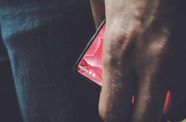 Android co-founder teases smartphone reveal date on Twitter (updated)