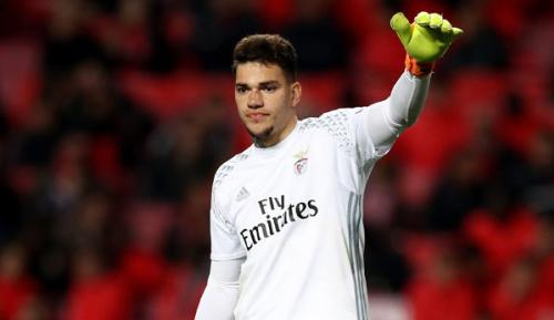 Premier League: Medien: City holt Benfica-Keeper Ederson