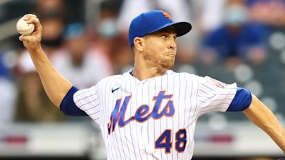 Mets ace deGrom scratched from start