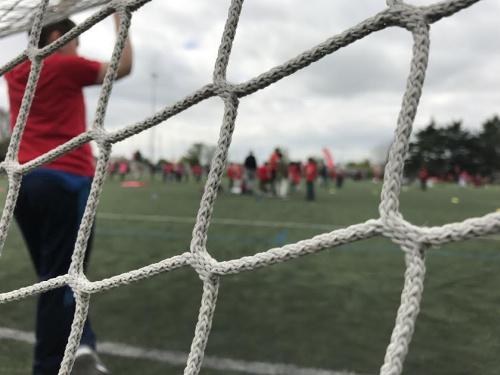 Quartiers Football Club à Rennes : quand les jeunes du centre de formation coachent les enfants de quartiers