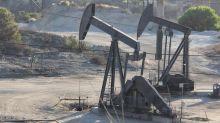 El precio del petróleo de Texas sube un 3,3 % hasta 53,80 dólares el barril