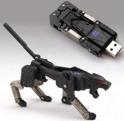 Transformers USB flash drive is ready to ravage your files, bring carnage to your desktop
