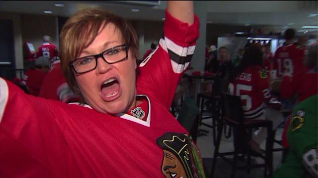 Blackhawks fans have Stanley Cup fever