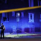 Hours after 4 killed in Chicago, 5 more hurt in shooting