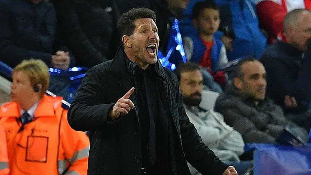"""Simeone diz estar """"mais tranquilo do que nunca"""" após derrota para o Real Madrid e reclama de CR7"""